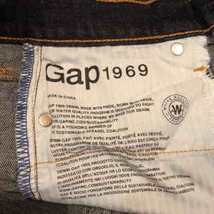 """GAP Jeans - GAP 1969 Best Girlfriend Jeans size 25, 26"""" inseam"""